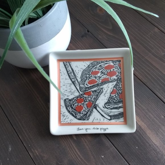 Primitives by Kathy Other - Pizza Trinket Tray